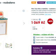Dřevěná kuchyňka Plan Toys jako hračka v akci