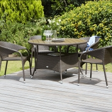 Stůl STRIB Ø120 cm+4 židle ARENDAL (9795 Kč)